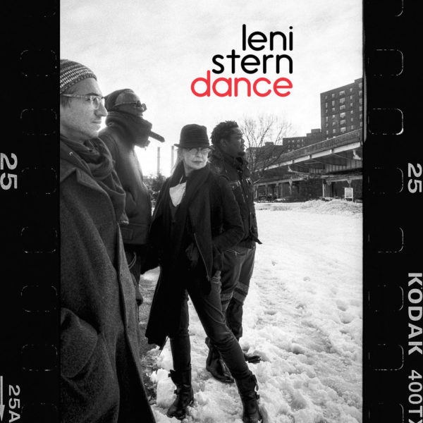 Leni Stern Talks Composing and Recording During the Pandemic