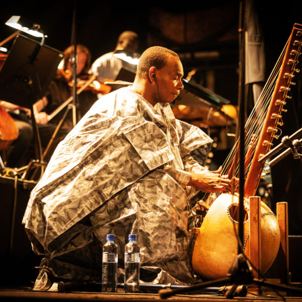 Toumani Diabaté To Release An Album With The London Symphony Orchestra