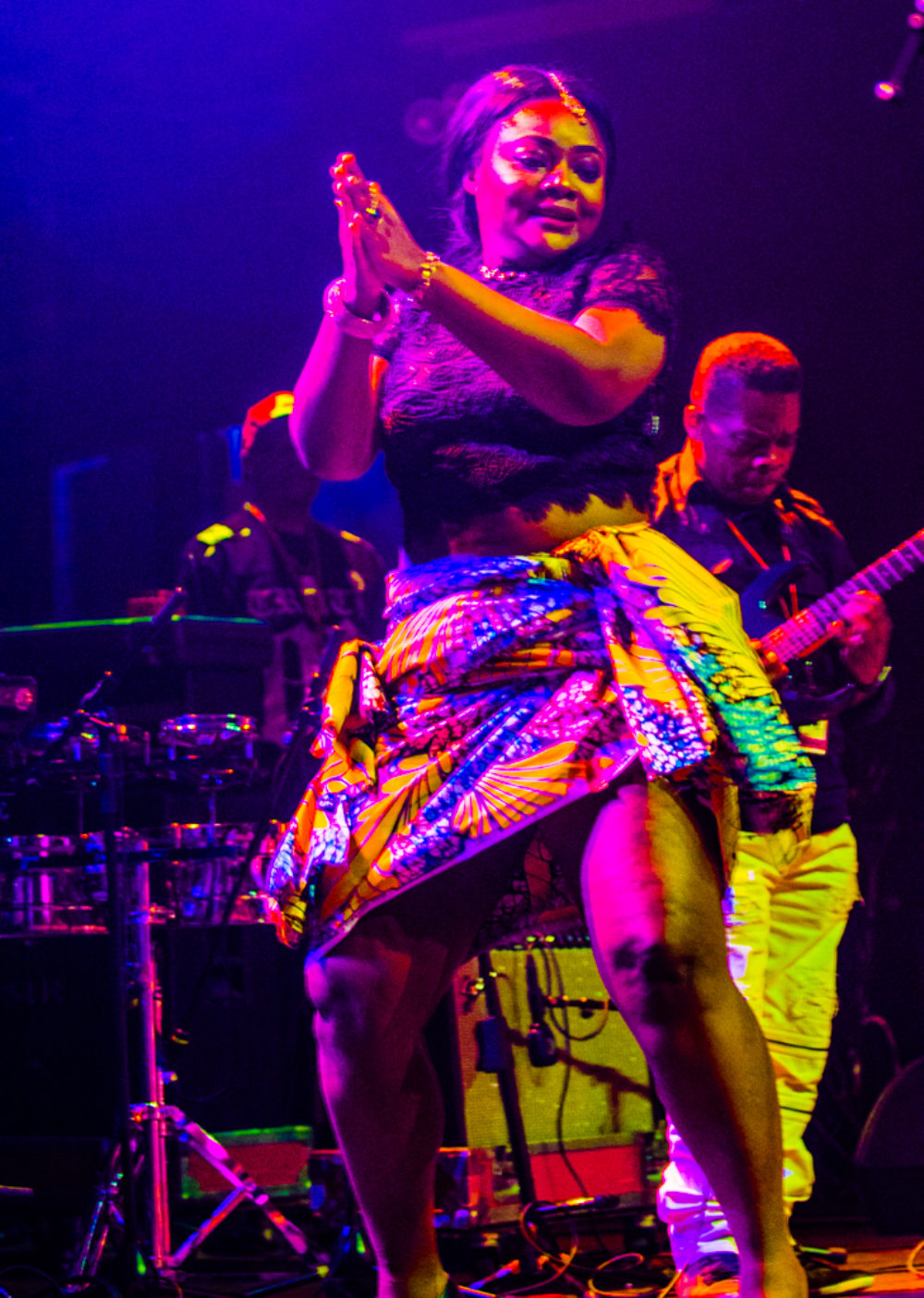 Blandine and guitarist Huit Kilos, Afrisa (Eyre 2017)