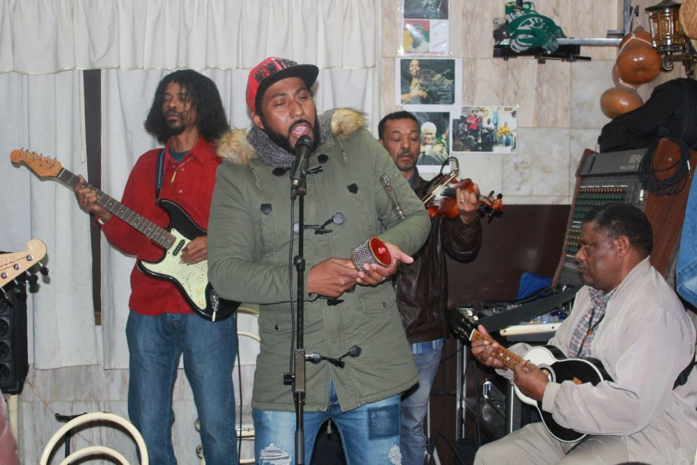 This band is playing at Restaurante Coqueiro, where the music is mostly that of Fogo Island, in Cape Verde