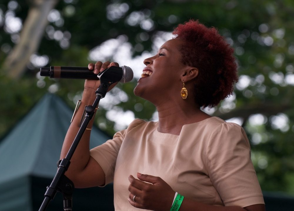Jenifer Solidade in Central Park, 2015 (BE)