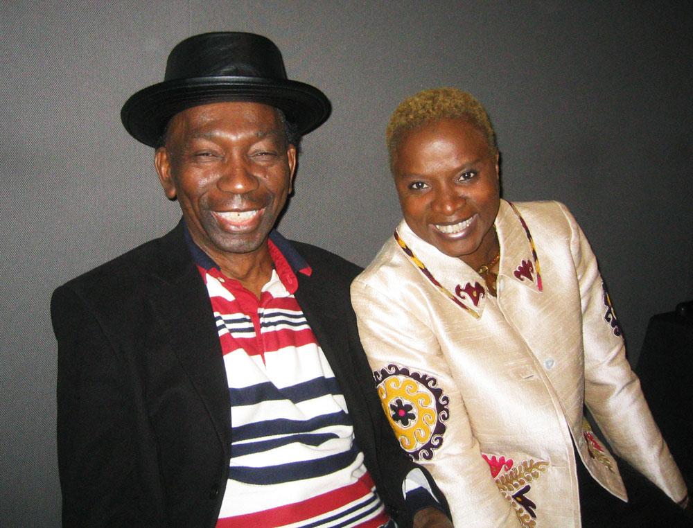 Thomas Mapfumo and Angelique Kidjo (Eyre 2004)