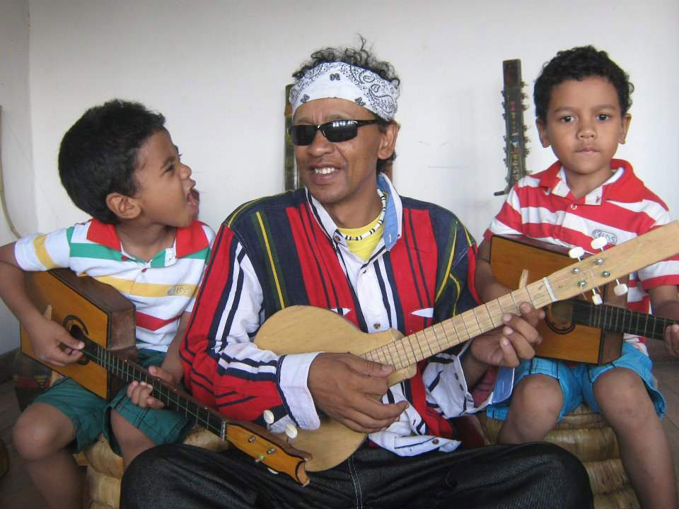 Sammy and Johnny's Madagascar Jam (2001)