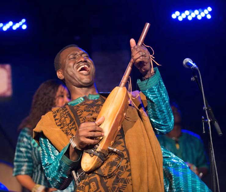 Bassekou Kouyate live video from Afropop's 25th Anniversary Gala!