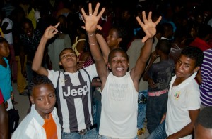 Fans at Damily concert in Tulear (Photo credit: Banning Eyre)
