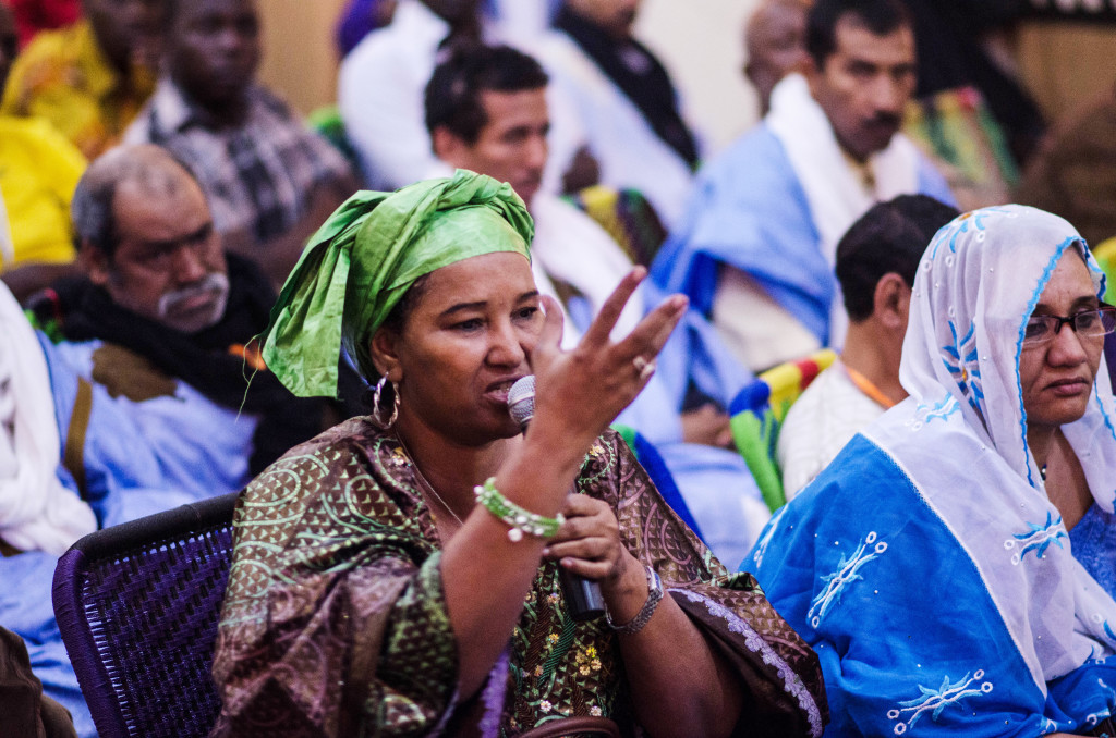 Fadimata Walet Oumar (DIsco), speaking out at peace forum (Eyre 2016)