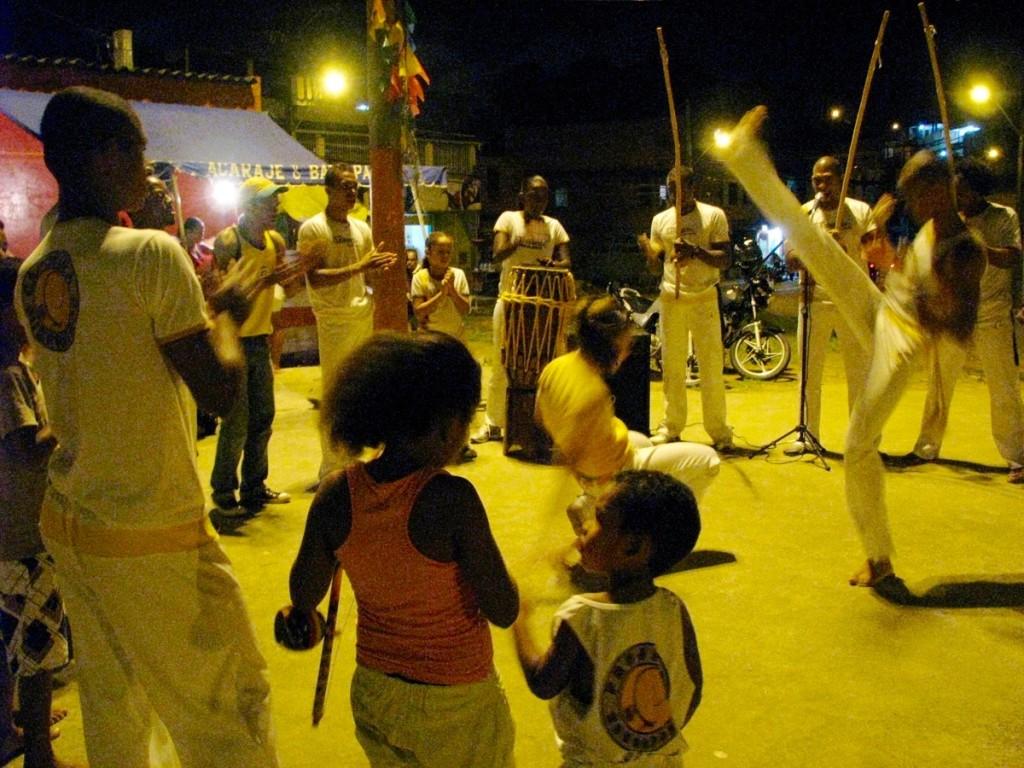 capoeira in favela B (1)