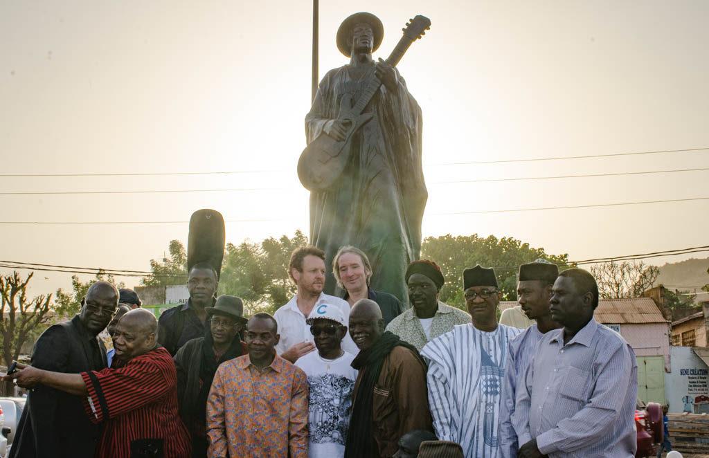 Gathering at Ali Farka Toure monument in Lafiabougou. In the crowd, Tony Allen, Afel Bocoum, Toumani Diabate, Cheikh Tidiane Seck, Hama Sankare, Derek Gripper...