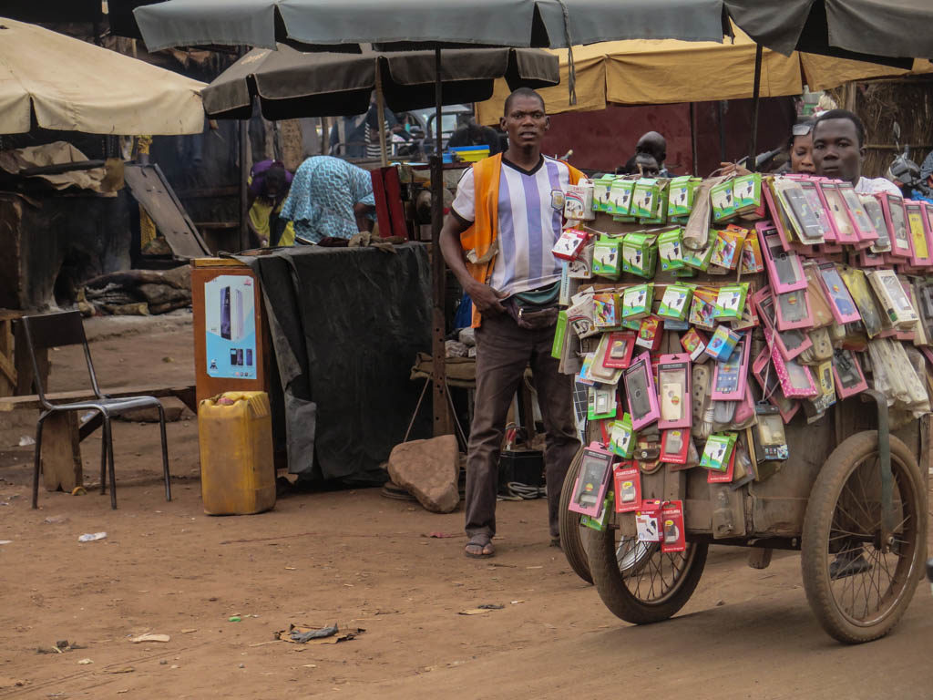 Bamako street vendors (Eyre 2016)