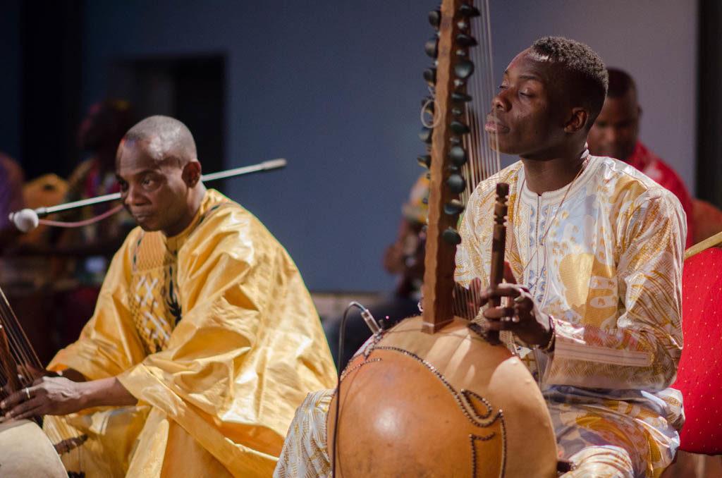 Toumani and Sidiki Diabaté (Eyre 2016)